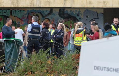 Flüchtlingsunterkunft-Siegen-Polizei-Großeinsatz (9)