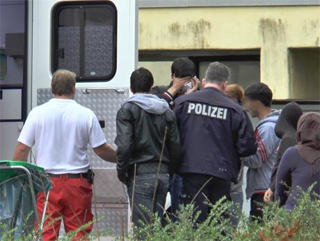 RettungsdienstversorgtverletzteFlüchtlinge