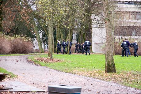 2015-12-02 POLIZEI Einsatz Siegen-21