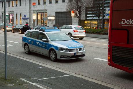 2015-12-02 POLIZEI Einsatz Siegen-50