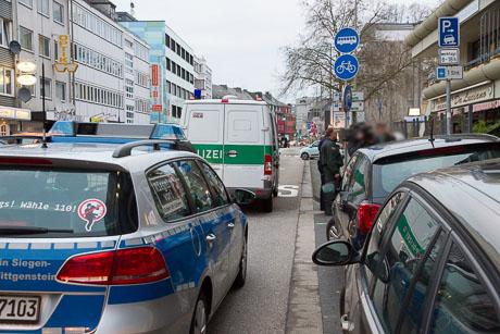 2015-12-02 POLIZEI Einsatz Siegen-51