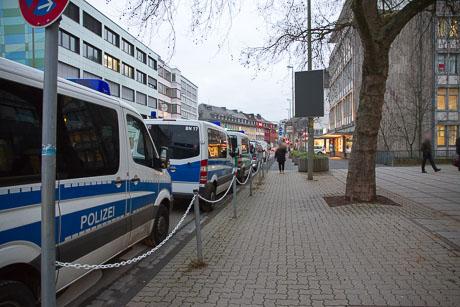2015-12-02 POLIZEI Einsatz Siegen-56