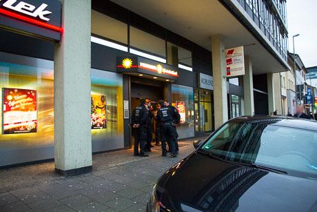 2015-12-02 POLIZEI Einsatz Siegen-57
