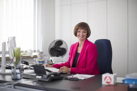 Dr. Bettina Wolf, Vorsitzende der Geschäftsführung der Agentur für Arbeit Siegen. (Foto: Arbeitsagentur)
