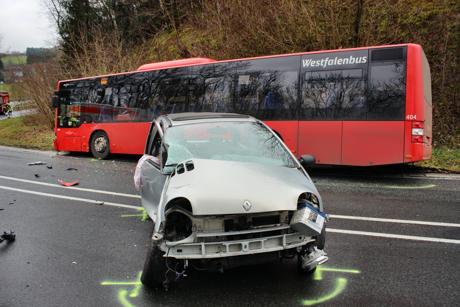 2016-01-06_Wilnsdorf-Wilden_L723_Kollision_Pkw und Bus_Foto_Hercher_07