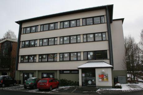 """Die ehemalige Wohnung im 3. OG des """"Rathaus II"""" wird zurzeit für die Unterbringung von Flüchtlingen vorbereitet (Archivbild: Gemeinde Wilnsdorf)."""