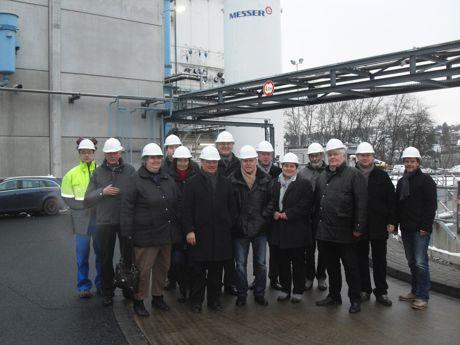 2016-01-26_Geisweid_Wirtschaftsfoerderungsausschuss_besichtigt_Firma_Messer