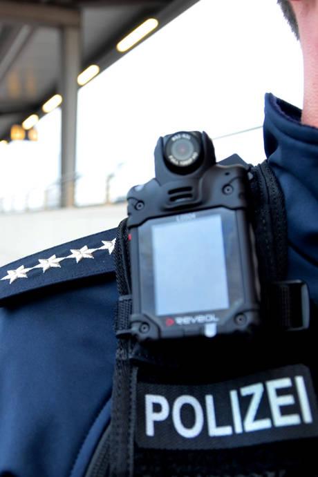 2016-01-29_St Augustin_Bundespolizei erprobt mobile Körperkameras_Foto_Bundespolizei_02