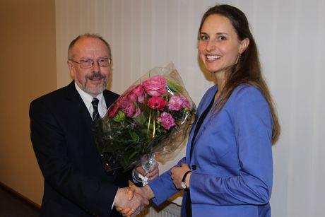 Dr. Gerhard Zoubek, Vorsitzender des Regionalvereins LEADER-Region 3-Länder-Eck, begrüßte die neue Regionalmanagerin Anne-Kathrin Hoß.