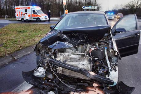 2016-02-24_Wilnsdorf_L722_VUP_2 Verletzte_Abzweig zur A45_Foto_Hercher_04
