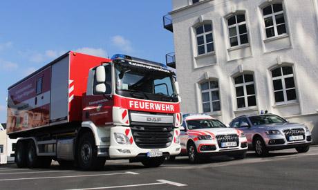 2016-03-10_Siegen_Übergabe_Einsatzfahrzeuge_Feuerwehr_Notarzt_(c)_Mg (23)