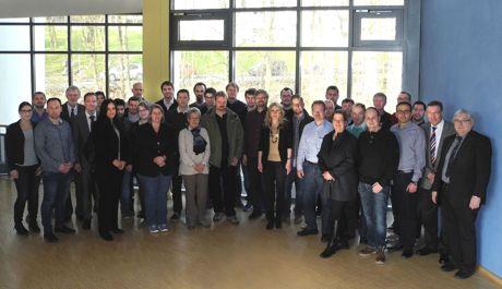 Ingenieure aus den Forschungs- und Entwicklungsabteilungen von Industrieunternehmen bildeten sich weiter. Fotos (3): Uni Siegen