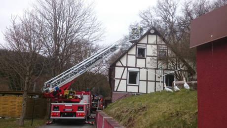 2016-03-20_Bad Laasphe-Sassmannshausen_Waschbären im Kamin Feuerwehr leistet Hilfe_Foto_Feuerwehr_02