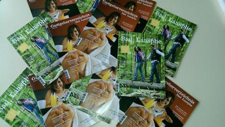 Die TKS Bad Laasphe präsentierte die neue Imagebroschüre und das neue Gastge-berverzeichnis. Fotos (2): TKS