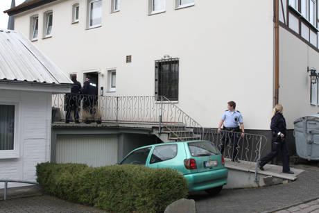 2016-03-30_Ferndorf_Jugendliche tritt Tür ein_Fotos_wirSiegen_6