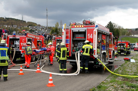 Übung-Feuerwehr-DRK-Niederschelden1