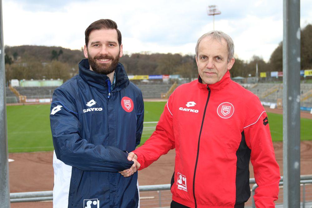 Thorsten Seibert (li.) wird weiterhin mit Ottmar Griffel zusammenarbeiten und ab 2017 sogar das Cheftraineramt von ihm übernehmen. Foto: Schäfer/SF Siegen