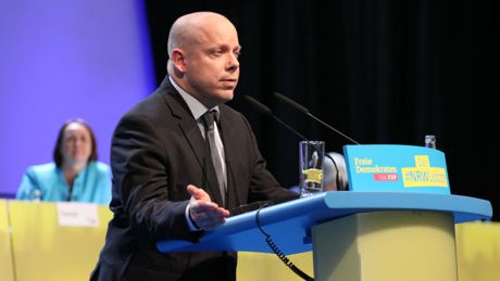 Guido Müller (FDP) bei seiner Rede. Foto: Peter Hanke/Partei