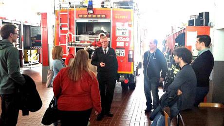 Junge Union und CDU besuchen die Kreuztaler Feuerwehrwache. (Foto: privat)