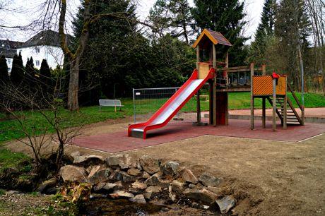2016-04-13_Hoggeweiher_Spielplatz_Kreuztal_Ernsdorf (1)