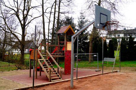 2016-04-13_Hoggeweiher_Spielplatz_Kreuztal_Ernsdorf (6)