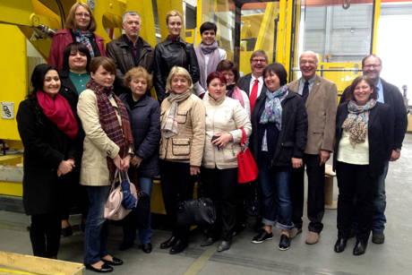 Die Gäste aus Moldawien mit Prof. Dr. Ralph Dreher und Jörg Dienenthal. (Fotos: Uni)