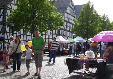 Zum 31. Mal findet in diesem Jahr das Frühlingsfest in Hilchenbachs Innenstadt statt. Archiv-Fotos (3): Stadtverwaltung