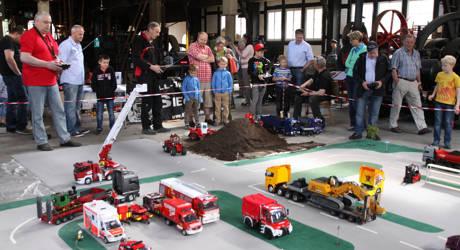 2016-05-03_Freudenberg_Modell-Truck-Freunde Siegtal zu Gast im Technikmuseum_Foto_Verein_01