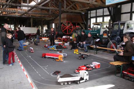 2016-05-03_Freudenberg_Modell-Truck-Freunde Siegtal zu Gast im Technikmuseum_Foto_Verein_02