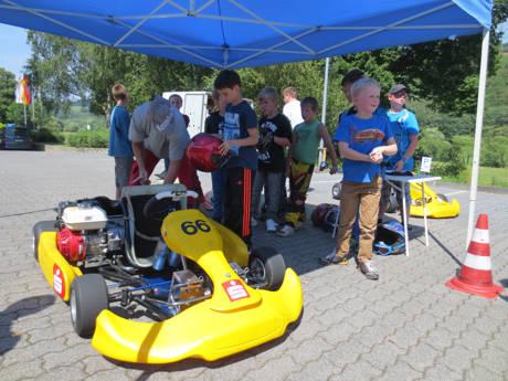 Einen heißen Reifen können auch in diesem Jahr die Kinder und Jugendlichen fahren, die sich zum Schnuppertraining beim AC Hohenseelbachskopf anmelden. (Fotos: Gemeinde Neunkirchen)