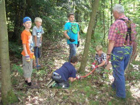 Der Wald rund um Neunkirchen hat viel zu bieten. Einen besonderen, weil lehrreichen Aspekt liefert der Schulwald in Wiederstein, zu dessen Erforschung der Heimatverein während der Ferienspiele einlädt.