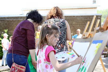 Für die Kleinsten gabs beim Frühlingsfest in Geisweide jede Menge kreative Beschäftigungsmöglichkeiten.