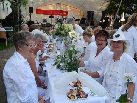 """Bald heißt es wieder: """"Dinner in Weiß"""" in Hilchenbach. (Foto: Stadt)"""
