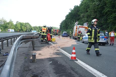 2016-05-29_Wilnsdorf_A45_VUP_Pkw gegen Schutzplanke_Foto_Hercher_08