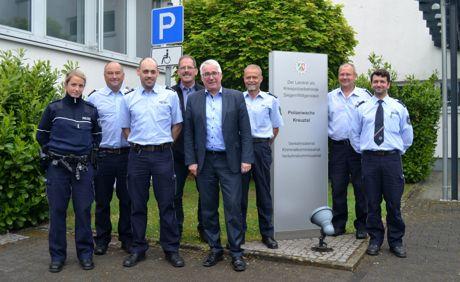 Der SPD-Landtagsabgeordnete Falk Heinrichs (4.v.r.) besuchte jetzt die Polizeiwache in Kreuztal. Seine Gesprächspartner waren u.a. Polizeidirektor Wilfried Bergmann (2.v.l.) und Peter Mähner (3.v.r.), Leiter der Kreuztaler Wache.