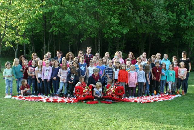 Die Kinder des Kinderchores Singsalabim (Kirchengemeinde Klafeld-Geisweid) und die Wilnsdorfer Liederstrolche (Musikschule Wilnsdorf) laden herzlich ein zu ihrem neuen Musical. (Foto: Gemeinde Wilnsdorf)