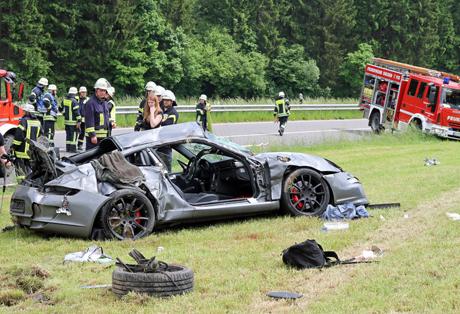 Porsche-Crash1
