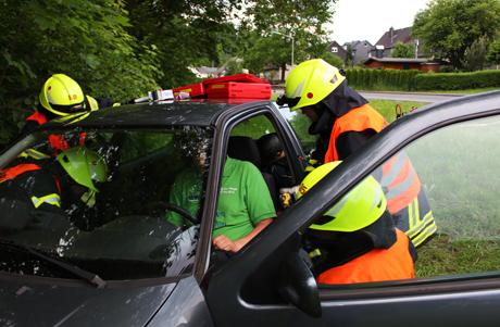 2016-06-04_Oberdielfen_Feuerwehr_Übung_(c)_Mg (33)