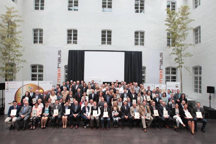 """Es wurden an diesem Tag insgesamt 68 Betriebe aus dem Brauerei-, Fleischer- und Bäckerhandwerk mit dem Preis """"Meister.Werk.NRW 2016"""" von Minister Johannes Remmel ausgezeichnet."""