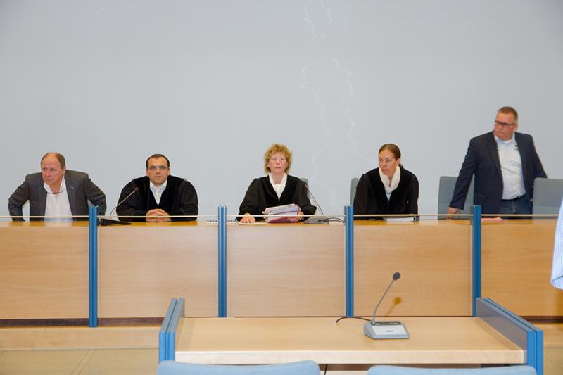 Die 1. Großen Strafkammer des Landgerichts Siegen, unter Vorsitz von Richterin Elfriede Dreisbach.