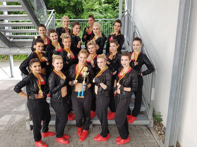 3.Platz bei der Deutschen Cheerdance Meisterschaft in Bonn. (Fotos: Coronette Dancers)