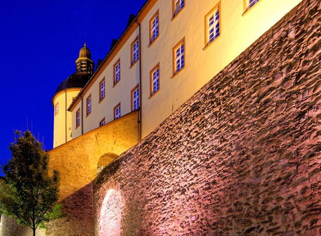 2016-07-06_Siegen_Neue Lampen setzen Stadtmauer lichttechnisch in Szene_Foto_Stadt Siegen_01