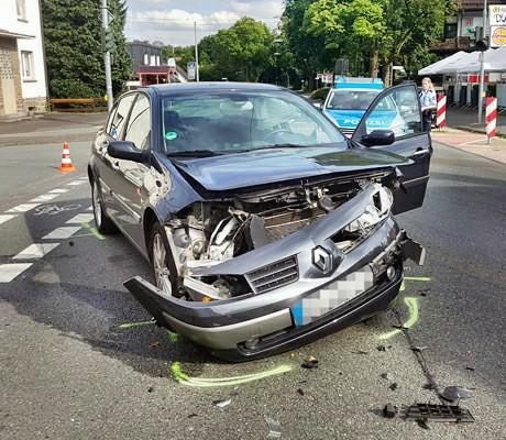 2016-07-11_Kreuztal_Eichen_Vu_Renault_Scoda (2)