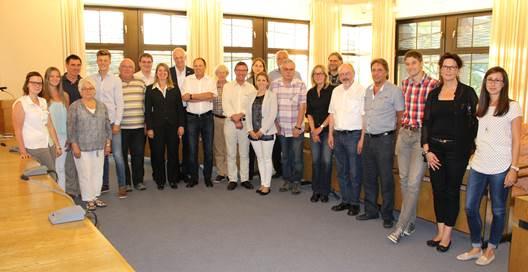 Das Bild zeigt den Vorstand des Regionalvereins der LEADER-Region 3-Länder-Eck e.V. und die Vertreter der vier vorgestellten Projekte. (Foto: LEADER-Region 3-Länder-Eck e.V.)