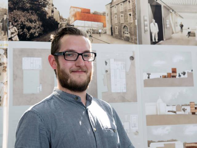 Masterabsolvent Florian Hestermann hat ein Museum in der Oberstadt geplant. Er war mit drei Preisen der Mann des Abends. (Fotos: Universität Siegen)