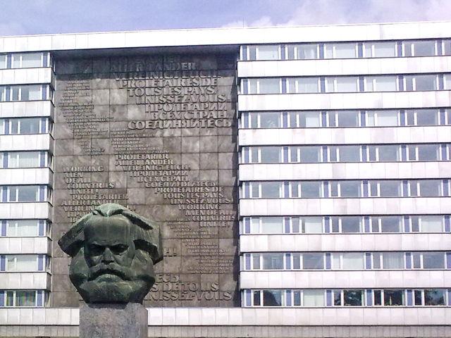 Wissenschaftlerinnen und Wissenschaftler der Universität Siegen untersuchen in einem internationalen Forschungsprojekt, wie sich Bürgerinnen und Bürger im Staatssozialismus in Mittel- und Osteuropa eigene Freiräume schaffen konnten.