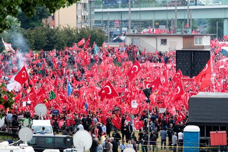 Erdogan-Demo-Köln-31-07-2016-Deutzer-Werft (1)
