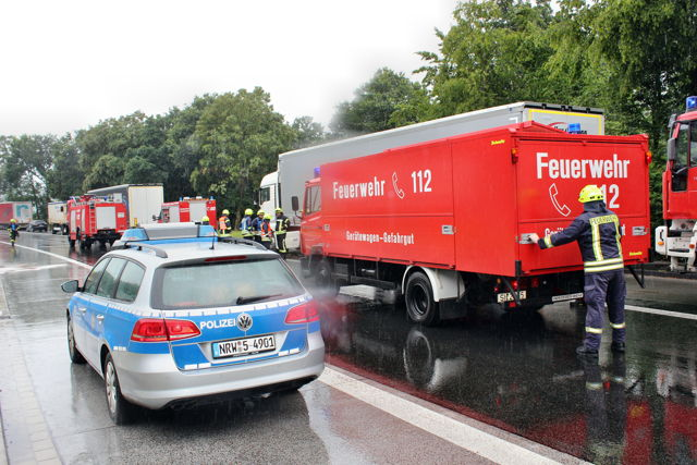 2016-08-02_Wilnsdorf_A45_ABC2_Defekter Lkw-Tank_Foto_Hercher_07