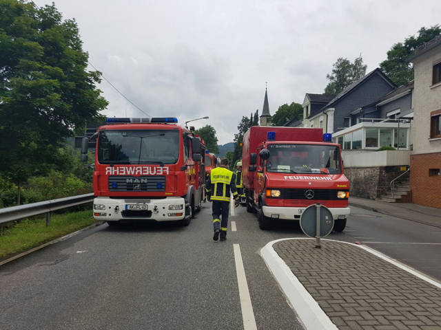 2016-08-04_Mudersbach_Pkw-Kollision fordert zwei Verletzte und zweimal Totalschaden_Foto_mg_02