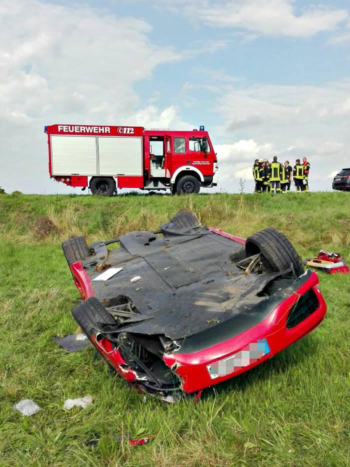 2016-08-06_Eschenburg-Hirzenhain_Ferrari geschrottet_Foto_jf_02